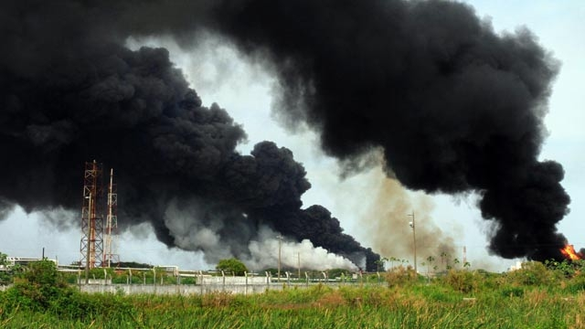 452052-mexico-oil-blast-afp